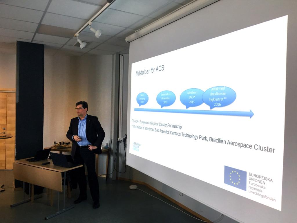 Göran Berlemo, berättar om ACS under SMF Flygs seminarium i Trollhättan