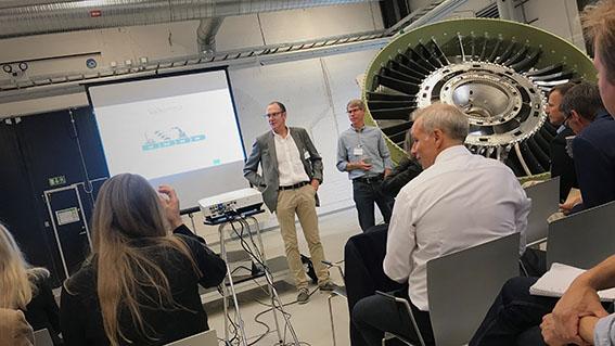 Tommy Christensen, Innovatum och Leif Johansson, ACS Västra nod, på uppstartsaktivitet för Framtidens fabrik